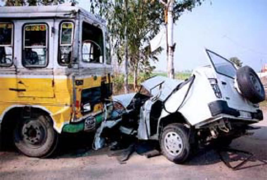 accident being essay human road Road accident is number one killerdiscuss every year the statistics of road accidents have most of the major accidents are caused by human.