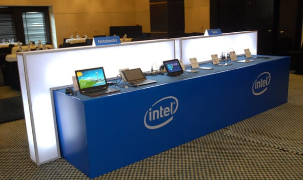 Devices-on-Display-at-tech-Intel-Mobility-Roadshow