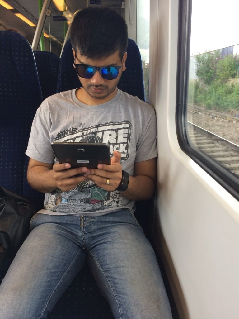 Using the Samsung Galaxy Tab A whilst on overground from London Paddington to Southall