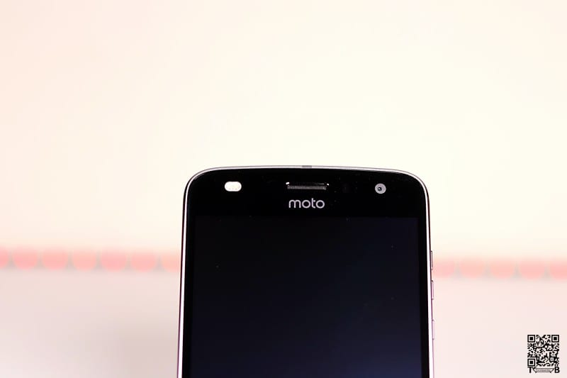 Moto Z2 Play Front Flash