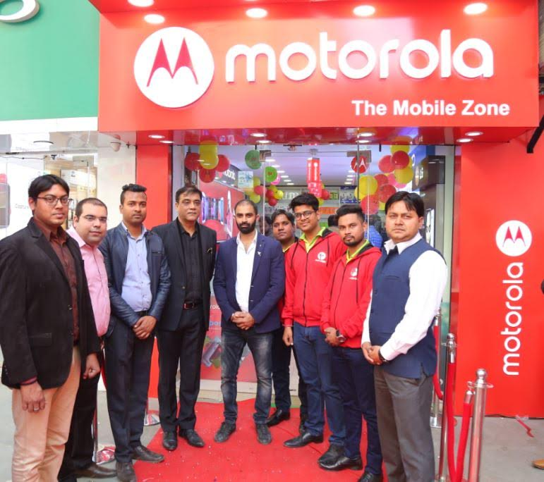 Motorola announces 50 Moto Hubs in Delhi, expands retail footprint in the country